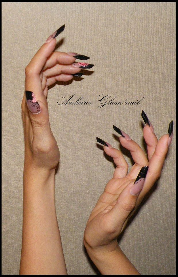 Poses d'ongles